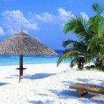 Perbedaan Pantai Senggigi Indonesia dengan Wisata Lombok Lain
