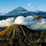 Menikmati Keindahan Gunung di Indonesia