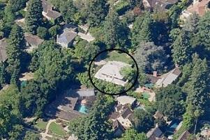 lingkungan rumah Mark Zuckerberg