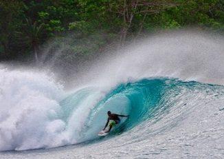 surfing ke mentawai