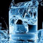 Benarkah Minum Air Es Menimbulkan Efek Negatif ke Tubuh?