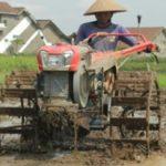 6 Cara Tepat Merawat Traktor Sawah Agar Tahan Lama