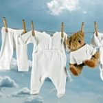 Panduan Mencuci Pakaian Bayi yang Tepat