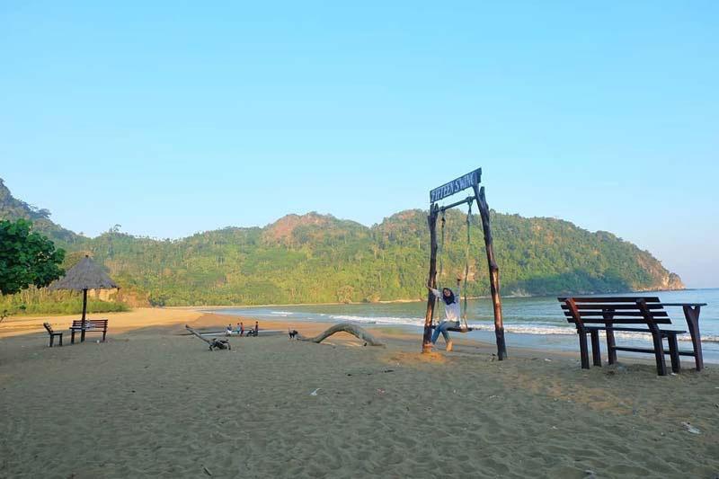 Pantai Sipelot Malang