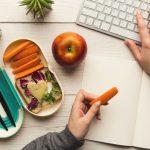10 Cara Menjaga Kesehatan di Tengah Kesibukan dan Cuaca Buruk